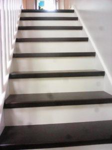 Ouest Menuisiers Plaquistes Habillage Escalier 1 APRES Copie