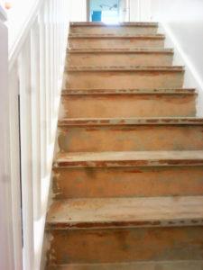 Ouest Menuisiers Plaquistes Habillage Escalier 1 AVANT Copie